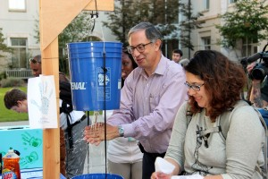 <p>The Chair of the Hubert Department of Global Health, Dr. Carlos Del Rio, tests his handwashing acumen using the
